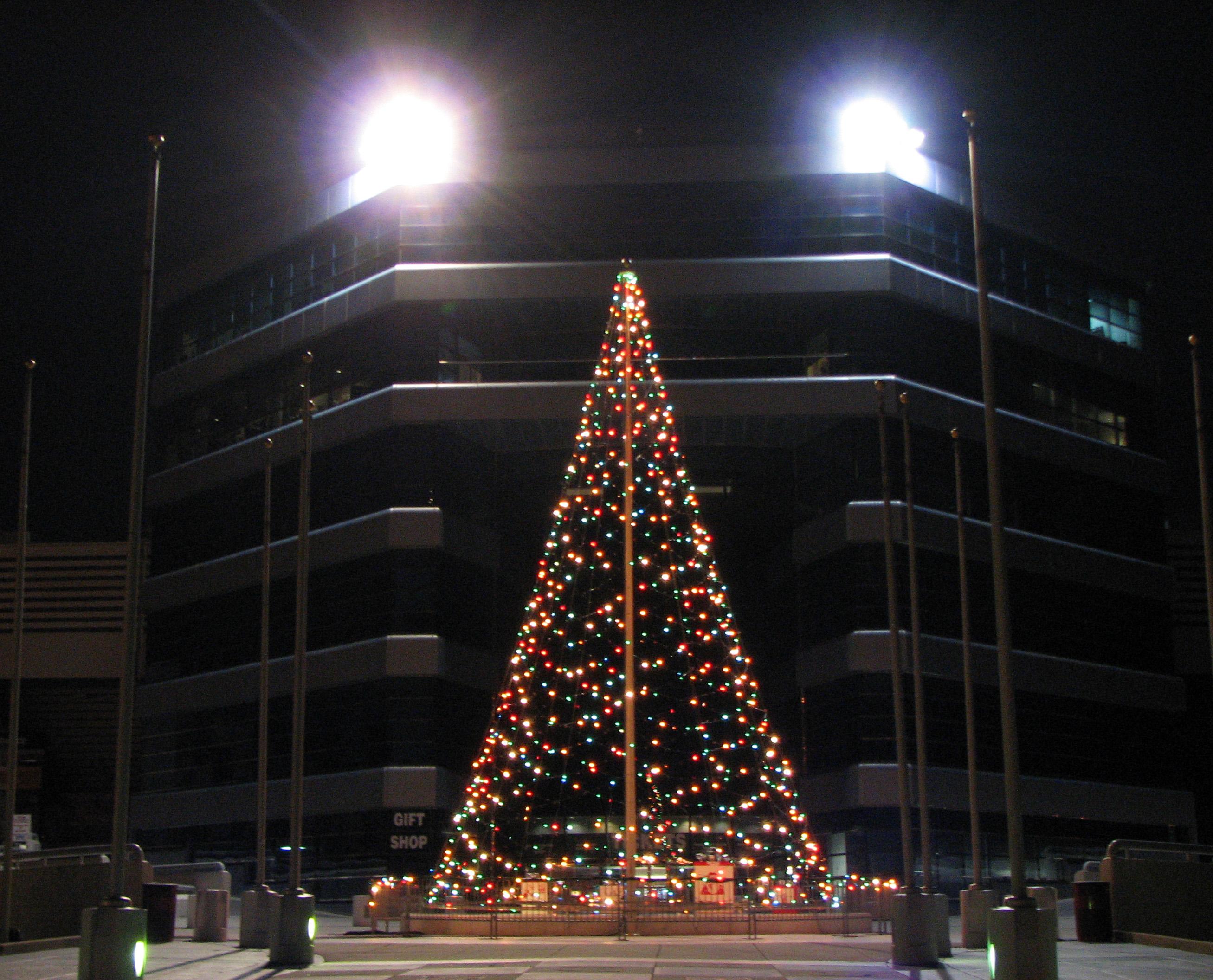 Christmas across the carolinas lowes motor speedway for Lowes motor speedway christmas lights